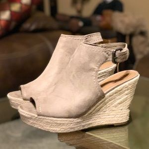 Taupe Wedge Pumps. Open Toe (NEW)